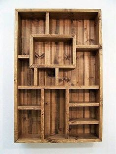 Pallet wood shelve idea