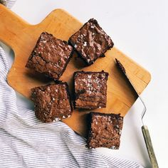 Really Good Chocolate Fudge Brownies - January 19 2019 at - Good - and Inspiration - Yummy Recipes Ideas - Paradise - - Vegan Vegetarian And Delicious Nutritious Meals - Weighloss Motivation - Healthy Lifestyle Choices Chocolate Fudge Brownies, Best Brownies, Brownie Bar, Chocolate Cake, Bakery Recipes, Dessert Recipes, Candy Recipes, Yummy Recipes, Food Flatlay