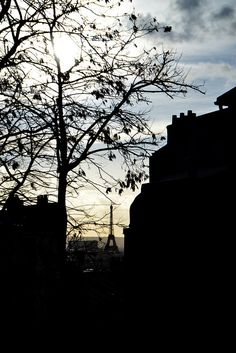 Photo in the evening of the Eiffel Tower, taken on the marvelous neighborhood called Montmartre.