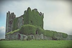 Ballycarbery Castle, county Kerry. This is the ruin of what was once a magnificent 15th century Castle of MacCarty Mor.