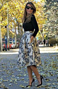 cream and black rosette midi-skirt