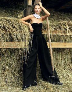 Chic Amish-Inspired Fashion - The ELLE Ukraine August 2013 Photoshoot Stars Yuliana Dementyeva (GALLERY)