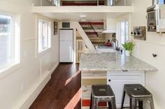 Rustic modern tiny house shows another clever way to do the stairs : TreeHugger