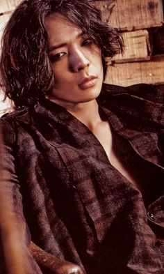 Micky Yoo Chun -- I love this picture of him. He looks so hot and sexy! Absolutely gorgeous!