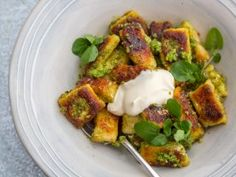 Get Crispy Gnocchi with Watercress Pesto Recipe from Cooking Channel Sbs Food, Sarah Graham, How To Make Pesto, Homemade Pesto, Gnocchi Recipes, Pesto Recipe, All Vegetables, Vegetarian Recipes, Kitchens