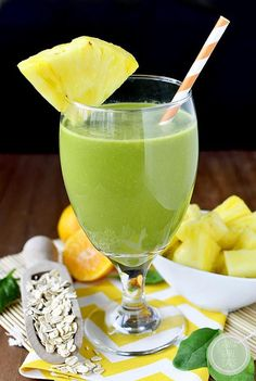 Back on Track Green Detox Smoothie is gluten, dairy, and banana free. Perfect for resetting after over indulging! #glutenfree #dairyfree | iowagirleats.com