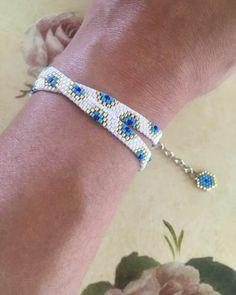 off loom beading stitches Bead Loom Bracelets, Beaded Bracelet Patterns, Bead Loom Patterns, Beading Patterns, Peyote Bracelet, Beading Ideas, Beading Supplies, Bangle Bracelet, Seed Bead Earrings