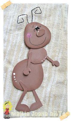Maria Joana Arte: KIT DECORAÇÃO SALA DE AULA - BICHOS DE JARDIM Ant Crafts, Foam Crafts, Preschool Crafts, Diy And Crafts, Arts And Crafts, Paper Crafts, Diy For Kids, Crafts For Kids, Circle Crafts