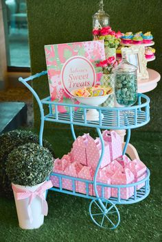 Love the little cart! Details are the best when throwing a party!