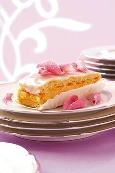 Vla-skywe   SARIE   Custard slices Sweet Desserts, Sweet Recipes, Delicious Desserts, Snack Recipes, Dessert Recipes, Cooking Recipes, Yummy Food, Scones, Custard Slice