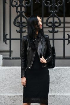 Knitted skirt + leather jacket. Perfect outfit!