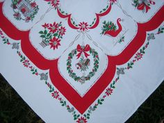 Vintage Christmas Tablecloth Fireplace Noel Pincones by RSWVintage, $30.00