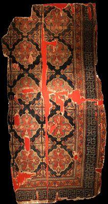 Historical Seljuk / Seljuq rugs and carpets Seljuk rug, 13th century, Mevlana Museum, Konya. Inventory no: 860-61-1033, dimension: 136x280 cm