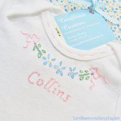 Bändern und Blumen für Baby Hand bestickt Body von Kornblume