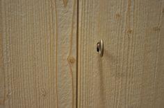 falegnameria bensi...particolare anta armadio legno massello scavato