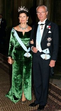 Queen Silvia wore this tiara for the Representatives Dinner in January 2006.