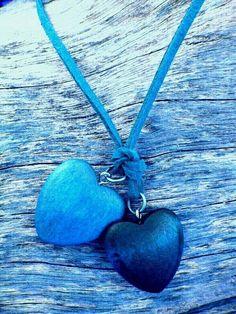 Two blue hearts necklace Art Bleu, Azul Indigo, Everything Is Blue, I Love Heart, Heart Wallpaper, Mobile Wallpaper, Blue Wallpapers, Blue Life, Blue Aesthetic