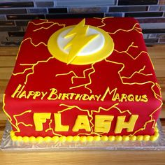 The Flash Cake Ideas / Flash Themed Cakes