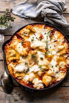 Simple Skillet Pesto Cheese Lasagna Roll Ups. food recipes easy chicken Simple Skillet Pesto Cheese Lasagna Roll Ups. Lasagne Roll Ups, Lasagna Rolls, Paneer Tikka, Easy Pasta Recipes, Dinner Recipes, Steak Recipes, Lasagna Recipes, Sausage Recipes, Turkey Recipes