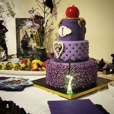 disney descendants cake google search descendants 2 cake disney descendants 10th birthday