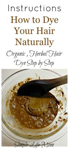 How to Dye Your Hair Naturally Step by Step Detailed instructions on how to dye your hair naturally with henna and other natural hair dyes like indigo, chamomile, and teas. Natural, organic hair dye - Station Of Colored Hairs Organic Hair Dye, Dyed Natural Hair, Pelo Natural, Natural Hair Care, Natural Hair Styles, Natural Beauty, Natural Red, Diy Hair Dye, Dyed Hair