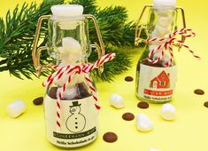So you can make yourself sweet and cheap DIY gifts. - Delicious Meets Healthy: Quick and Healthy Wholesome Recipes Diy Gifts Cheap, Merry Christmas, Xmas, Sustainable Design, Hot Chocolate, Vodka Bottle, Design Trends, Color Schemes, Make It Yourself