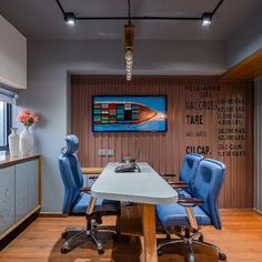 Inclined Studio® (@inclinedstudio) • Instagram photos and videos Interior Photography, Conference Room, Photo And Video, Studio, Videos, Table, Photos, Furniture, Instagram