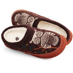 You'll never want to escape the unbelievable comfort of the Forest Mule slipper from Acorn! Soft, fabric upper with intricate embroidery details Contrast berber