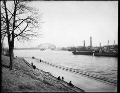 Hellgate Bridge from Manhattan, 1916
