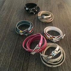 カラーレザーに手描きオリジナルペイントのラップブレスレット。 ・ 【PAINTED LEATHER】  COLOR:6色  SIZE:95cm  MATERIAL:Cow leather, Epoxy resin , Swarovski , Plating metal(牛革,エポキシ樹脂,金属にメッキ加工)  http://invidia.jp/cate10 ・ http://invidia.jp ・ #accessory#costumejewelry#jewelry#fashion#code#coordinate#ladies#mens#unisex#invidia_jp#madeinjapan#アクセサリー#コスチュームジュエリー#ジュエリー#ファッション#コーデ #コーディネート#レディース#メンズ#ユニセックス#インヴィディア#bracelet#swalovski#LEATHER#color#ブレスレット#革ブレス#スワロフスキー#カラー#手元倶楽部