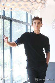 Asian Actors, Korean Actors, Korean Celebrities, Korean Drama Tv, Park Seo Joon, Korean Fashion Men, Divas, Kdrama Actors, Actor Model