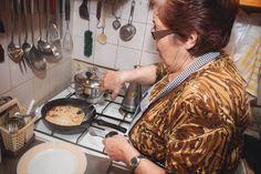 Αγροσελίδα: Η κυρία Βέτα φτιάχνει γνήσιες νεράτες μυζηθρόπιτες Cooking, Kitchen, Brewing, Cuisine, Cook