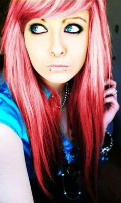 Excuse her face lol I want this hair color