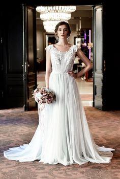 Svatební šaty       (4)
