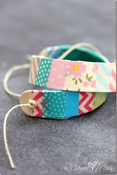Washi Tape Wooden Bracelets | @mamamissblog - with a few simple tools, these beautiful DIY bracelets can adorn your wrists too.
