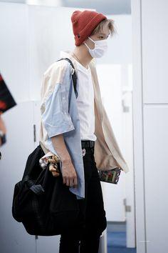 Nct 127, Hijab Fashion Inspiration, Mark Lee, Kpop, Airport Style, Airport Fashion, Winwin, Taeyong, Boyfriend Material