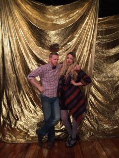 All you need is gold or silver spray paint (I HIGHLY recommend Golden Anniversary, 50th Wedding Anniversary, Anniversary Parties, Anniversary Ideas, Sequin Backdrop, Roaring 20s Party, Masquerade Party, Masquerade Decorations, Halloween Masquerade