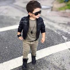Bad boy type for toddler outfit idea Little Boy Outfits, Little Boy Fashion, Toddler Boy Outfits, Baby Boy Fashion, Outfits Niños, Baby Boy Outfits, Kids Outfits, Fashion Kids, Toddler Fashion