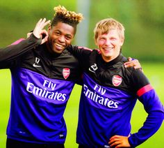 Arshavin and Song. DAS BABY FACED ASSASIN