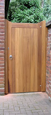 oak side gate from oakgatejoinery.co.uk Más
