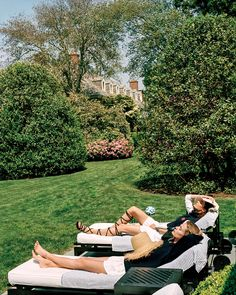 10 Pieces That Will Transform Your Backyard This Summer - Vogue