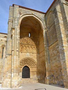 Iglesia de Santa Maria la Blanca : Villalcazar de Sirga