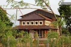 Chukki resorts is a  uinique eco friendly resort near  shivanasamudra waterfalls. we provide photography tours village tours in and around shivanasamudra.