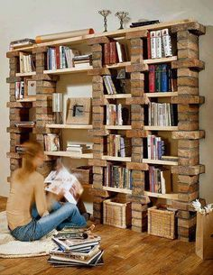 39 casual bookshelf design ideas to decorate your room .- 39 casual bookshelf design ideas to decorate your room # bookcase - Cool Diy, Brick Shelves, Cubby Shelves, Corner Shelves, Bookshelf Design, Bookshelf Ideas, Bookshelf Decorating, Wood Bookshelves, Decorating Ideas