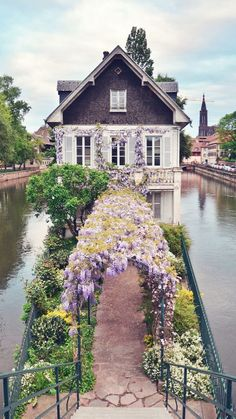 Strasbourg, France (THE BEST TRAVEL PHOTOS) Strasbourg, France/what a grand entrance to this dwelling! Strasbourg, France/what a grand entrance to this dwelling! French Cottage Garden, Petite France, Belle France, Places Around The World, Oh The Places You'll Go, Around The Worlds, Beautiful World, Beautiful Homes, Beautiful Places