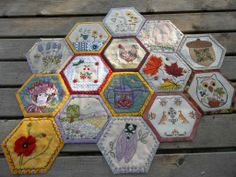 Ceux de malène 05 - Crazy broderies & Compagnie Embroidered Quilts, Applique Quilts, Embroidery Applique, Embroidery Patterns, Patchwork Hexagonal, Hexagon Quilting, Crazy Quilting, Quilting Ideas, Cool Diy