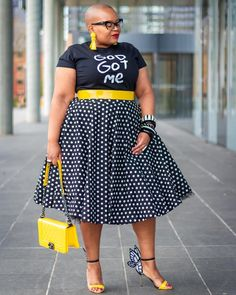 Pin on Plus size fashion for women Thick Girl Fashion, Plus Size Fashion For Women, Curvy Fashion, Look Fashion, Plus Size Women, Womens Fashion, 2000s Fashion, Fashion News, Curvy Outfits