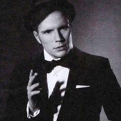 jeah... patrick in suit