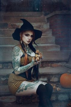 Hot Goth Girls, Gothic Girls, Goth Beauty, Dark Beauty, Cute Goth Outfits, Gothic Looks, Beautiful Dark Art, The Good Witch, Pagan Witch