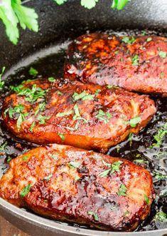 Korean Style Pork Chops - a simple recipe for Korean style marinated pork chops, resulting in melt in your mouth, super delicious pork chops. Best ever! #korean #koreanporkchops
